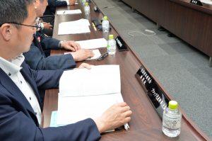 審議に参加するブロック代表幹事